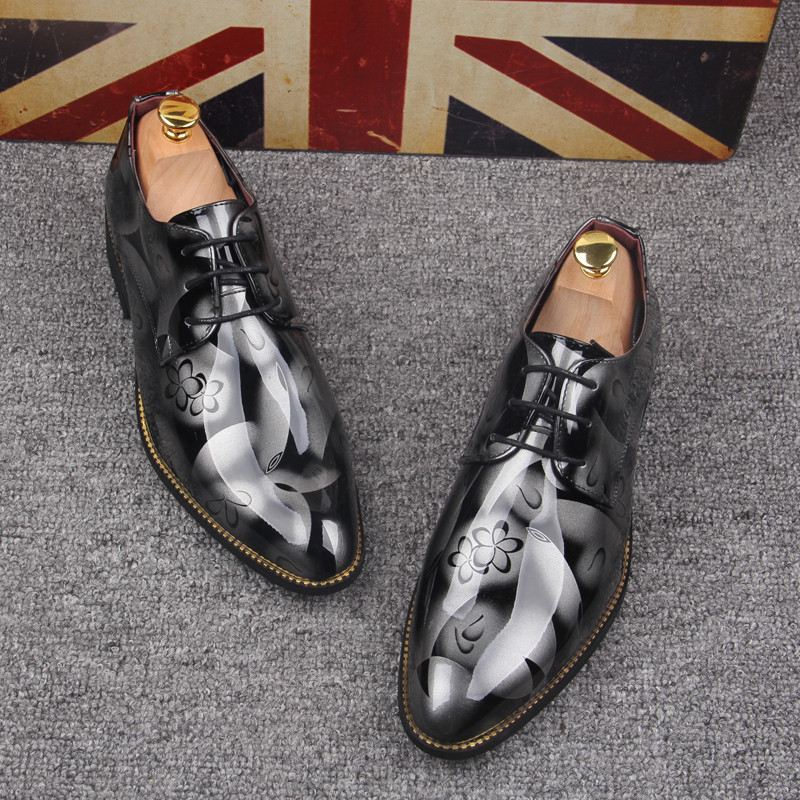2017 New Fashion Italian designer formal mens dress shoes Patent Leather Pointed Toe Print Lace-Up Business Wedding Oxford shoes fashion top brand italian designer mens wedding shoes men polish patent leather luxury dress shoes man flats for business 2016