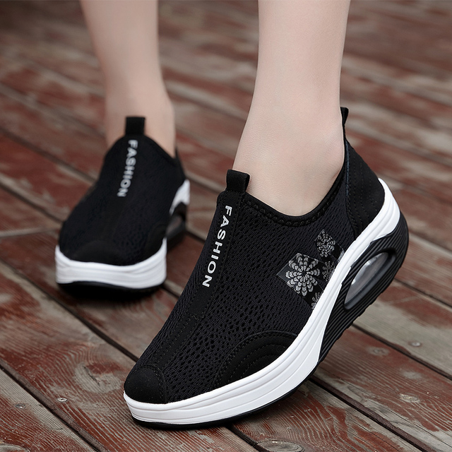רשת לנשימה כרית גוון נעלי נשים מוצק צבע אור משקל להחליק על אובדן משקל גוון נעלי טריז קיץ יומי נעליים