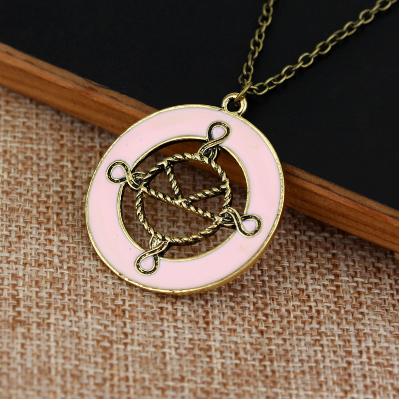 Freeshipping 10 Pcs a Lot Movie Kingsman The Secret Service Agents College Badge Sign Pink Round Pendant Necklace Jewelry