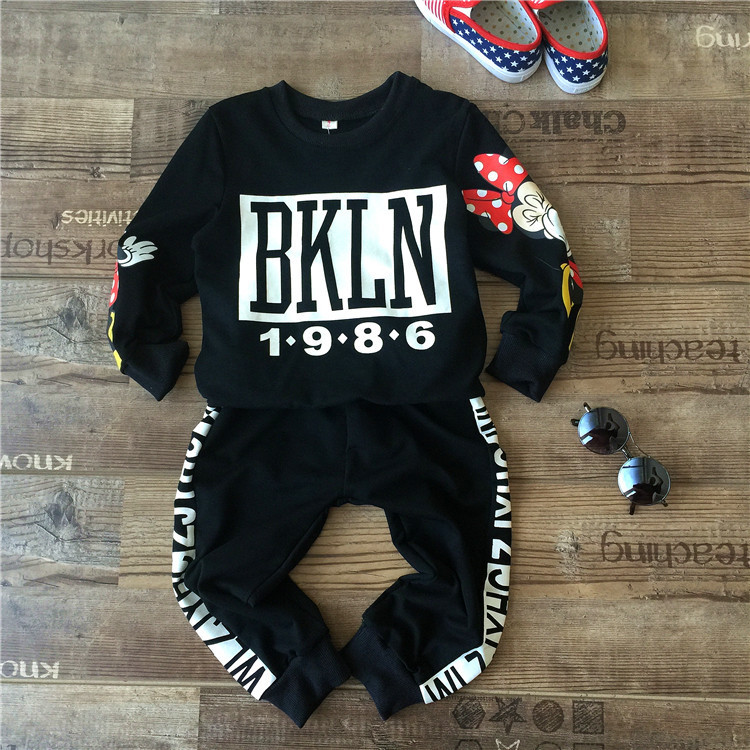 цены  new 2015 autumn winter fashion letter hooded+pants 2pcs kids clothes girls set vetement fille for 2~7 age infants boys suit
