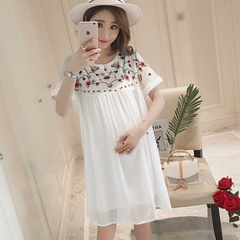 Pregnant Woman Dress Female Summer New Embroidery Flowers Round Neck Short Sleeve Long Loose Large Size Maternity Dress FF347 maternity clothing summer one piece dress cotton medium long 100% plus size maternity top t shirt summer short sleeve loose long
