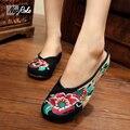 Мода дамы тапочки обувь женщины вьетнамки китайцы стиль ретро черные туфли сексуальные вышивка досуг женщины скользит обувь