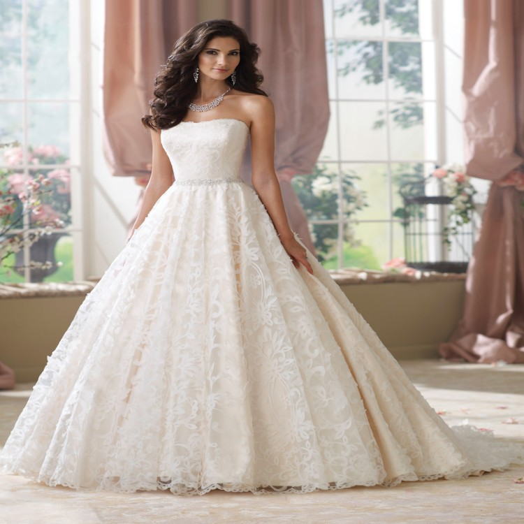 2015 stunning sweetheart ball gown wedding dress with lace for Wedding dress lace overlay