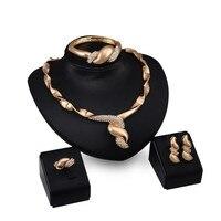 Collar Kit 18K Gold Plated Pendant Design Austrian Crystal Necklace Bracelet Ring Earrings 4PCs Jewelry Set