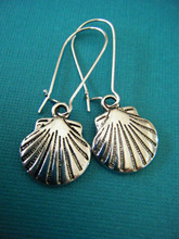 Moda Vintage plata tamaño mediano vieira conchas encantos pendientes de gota para mujeres con caja de regalo de la joyería DIY envío gratis V807