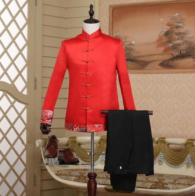 עיצובי מעיל האחרונים דק צווארון דוכן בסגנון הסיני mariage חתן חליפות חתונה לגברים בני ליזר חליפות נשף הטוניקה אדום זינגר