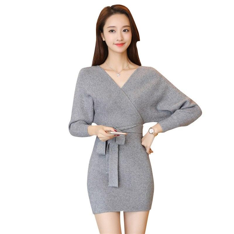 2017 longue section de l'automne femmes coréennes Slim col en V col en tricot sac hanche taille robe pull femmes