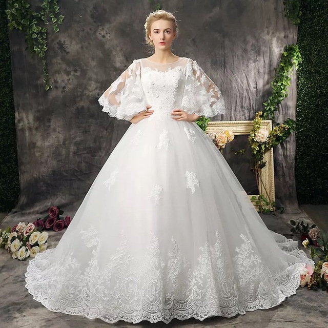 Amanda Novias 2017 New Wedding Dresses Lace Up Princess Backless Court Train