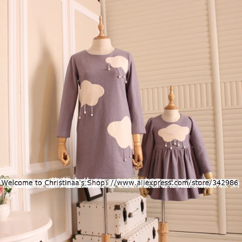 цена на 2018 Winter Free Shipping Orignal design Mother Daughter Dresses family matching Clothes white clouds and pearls rains Mom Girl