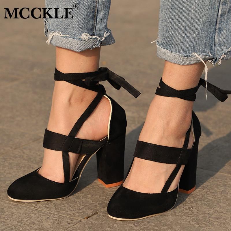 MCCKLE más tamaño hembra tobillo Correa tacones altos Flock zapatos de gladiador encaje hasta el talón grueso moda hueco Mujeres Partido boda bombas