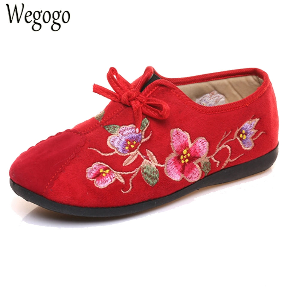 Chinese New Women Flats Warm Shoes Cotton Floral Embroidered Cloth Lace Up Shoes Soft Woman Ballerina Sapato Feminino wegogo vintage women shoes flats mary jane flats casual shoes chinese embroidered cloth woman ballerina shoes plus size 41