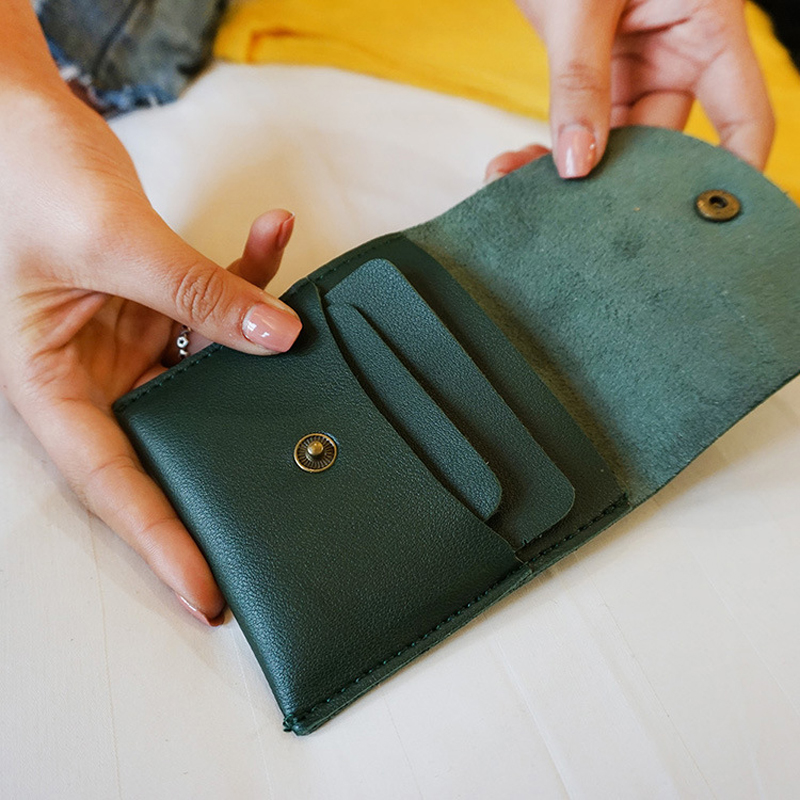 BLEVOLO Simple Short Coin Purse Women Vintage Hasp Wallet Bifold Solid Card Bag PU Leather Female Wallets 3 Color