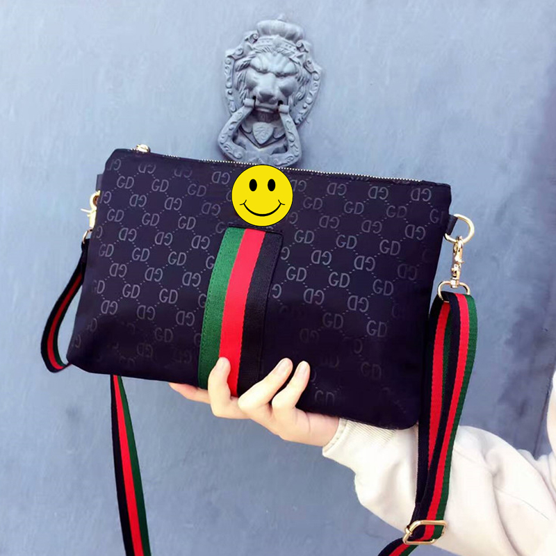 2018 New Female Bag Korean Version of The Striped Shoulder Messenger Bag Small Fashion Handbags Ladies Wrist Bag the new leisure canvas bag hit the color portable shoulder bag women messenger bag korean fashion handbags 2015