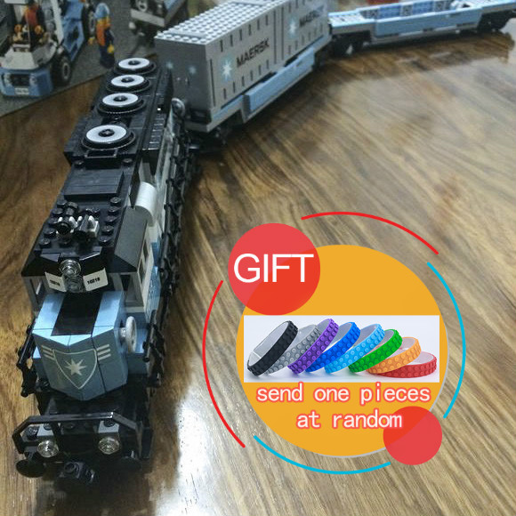21006 1234Pcs Genuine Technic Ultimate Series The Maersk Train Set Building  Educational compatible 10219 toys lepin lepin 21006 compatible builder the maersk train 10219 building blocks policeman toys for children