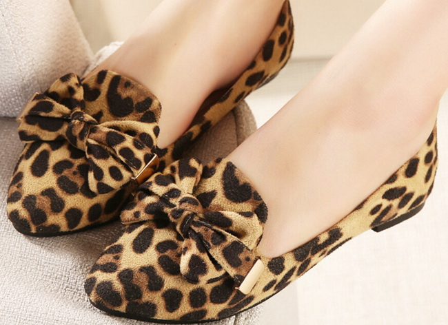 Hot sale 2016 New Fashion Spring Women Flats Shoes Ladies pointed Toe Slip-On Flat Women's Shoes size 33-43 new 2017 spring summer women shoes pointed toe high quality brand fashion womens flats ladies plus size 41 sweet flock t179
