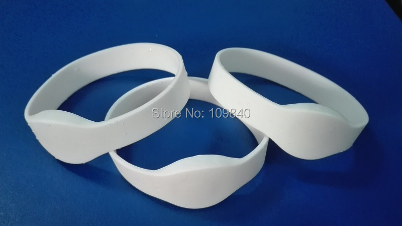 White Color RFID Silicone Wristband / Bracelet With TK4100 Chip (EM4100) Read Only For Sauna Fitness Locks Key