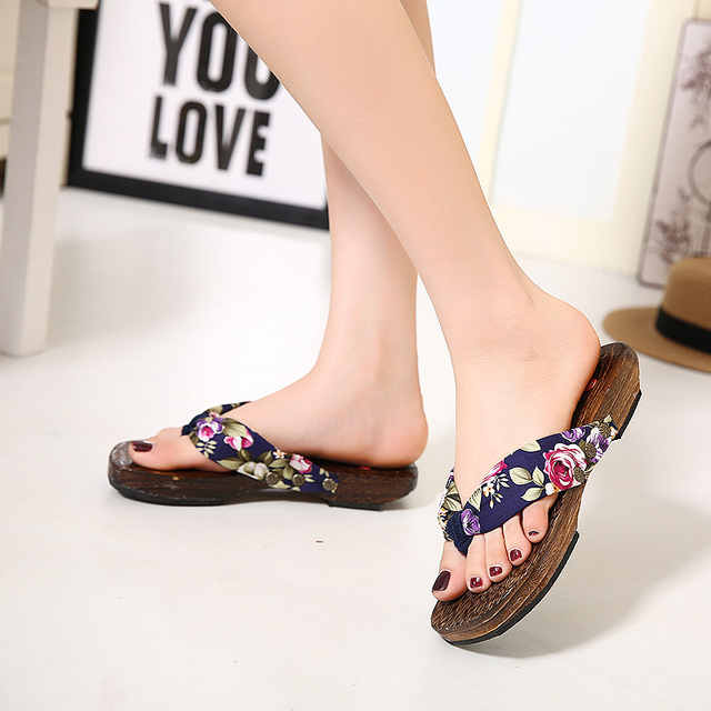 Mazefeng 2018 Summer Slippers Shoes Female Flip Flops Women Woods Clogs  geta Print Women Clogs Chinese Geta Outdoor shoes 26ea19c82e