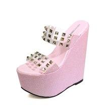 Mujeres transparente tacones 17 cm extreme high heels Wedge zapatillas transparente Pizarra del remache sandalias de plataforma sexy zapatos de la playa de las mujeres