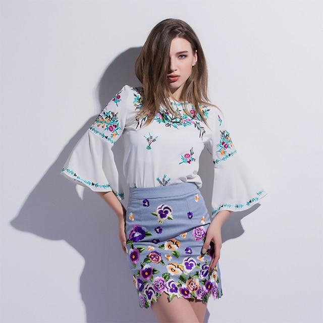 Мода Вышивка Печати Устанавливает 2017 Ранняя Весна Европейский Цветочные Flare Рукавом Сбор Талии Тонкий Пакет Хип Мягкий Юбка