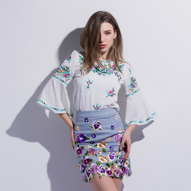 Fashion Embroidery Print Sets 2017 Early Spring European Floral Flare Sleeves Shirt Collect Waist Slim Package Hip Soft Skirt