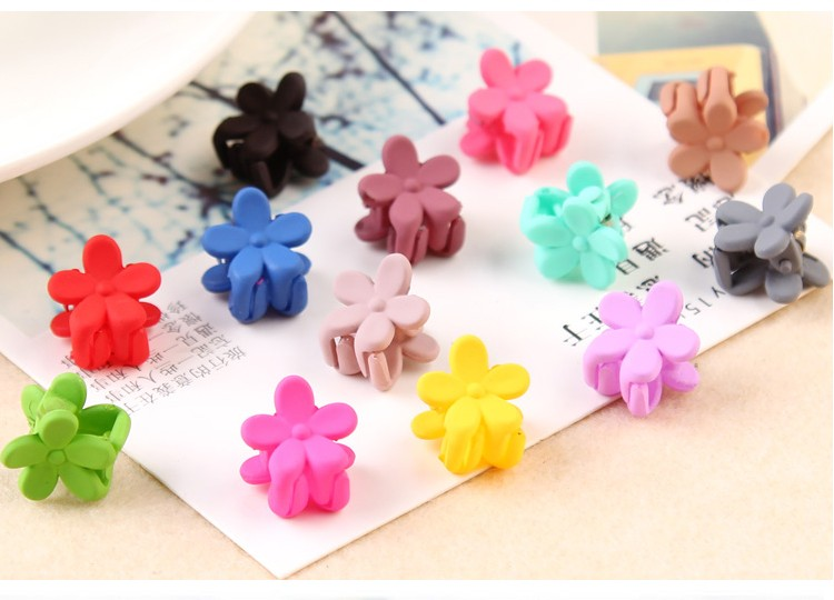 HTB10w.eNVXXXXcUXFXXq6xXFXXXu Pretty 10-Pieces Girls Fashion Candy Color Hair Clip Claw Accessories - 3 Styles
