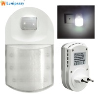 LumiParty 0 6W Infrared Motion Sensor 9 LEDs Night Light Home Hallway Bedroom Wall Lamp With