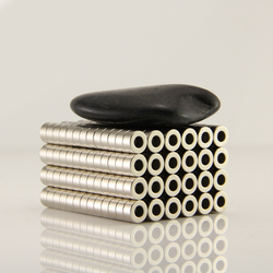 100 stücke Ring 6x3mm Dia.6mmx3mm loch 3mm N50 Neodym Rare Earth NdFeB Magneten Starken