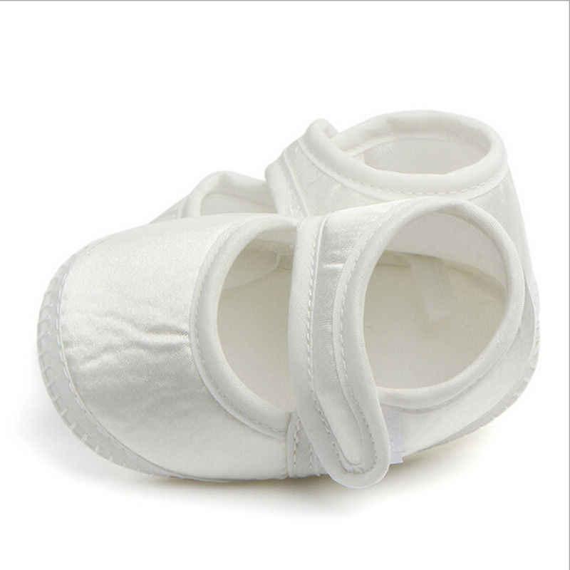 ¡NOVEDAD DE 2017! Zapatos blancos a la moda para bebés y recién nacidos, zapatos para bebé, zapatillas de suela blanda para niña y niño de 0 a 6 meses
