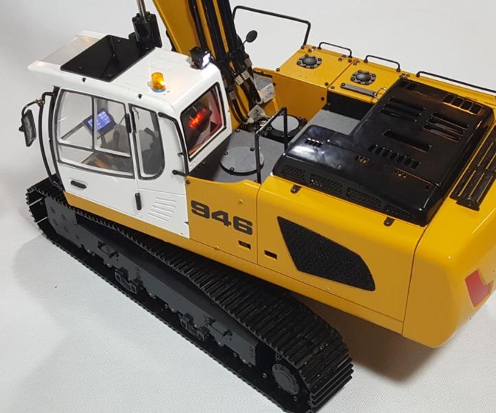 1/14 RC Metal Hydraulic Excavator 946 - 9