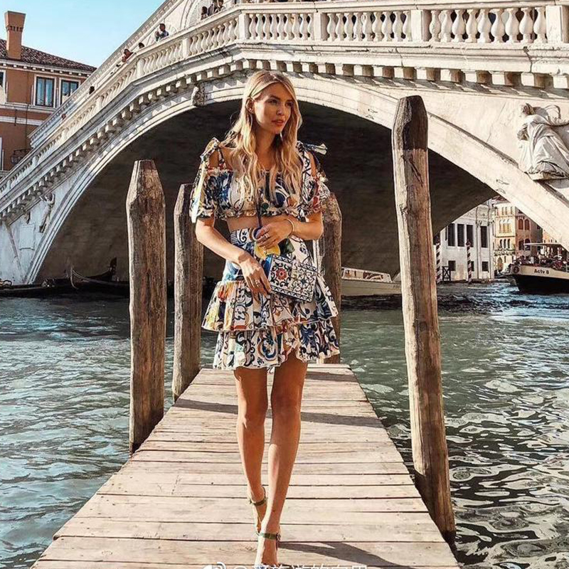 TOP QUALITY Newest 2020 Stylish Suit Set Women's Spaghetti Strap Camis Top Gorgeous Floral Print Ruffle Skirt Suit Clothing Set