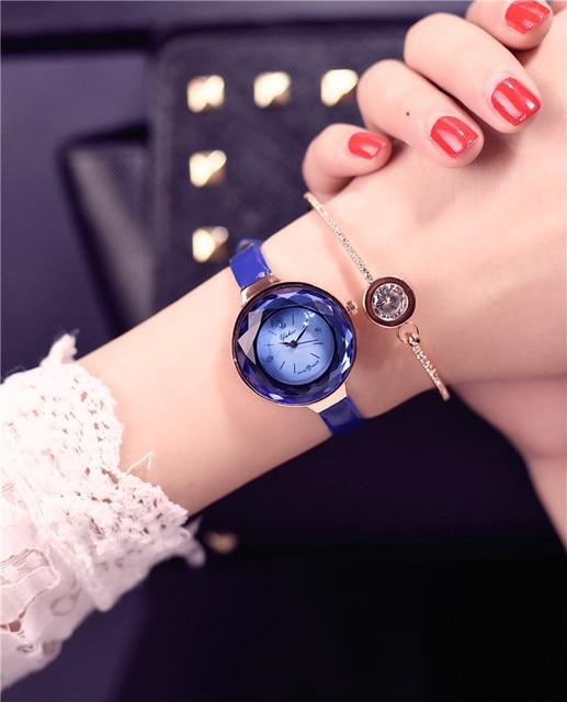 3b6637c52aac Alta calidad 2017 nueva 3 color joyería moda regalo mujeres relojes joya  cortada negro geometría superficial