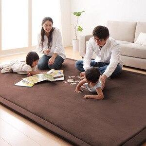 Image 2 - חדש 2CM עבה לשחק מחצלות פליז שמיכת שטיח ילדי תינוק זחילה מחצלות טאטאמי כרית מזרן לחדר שינה