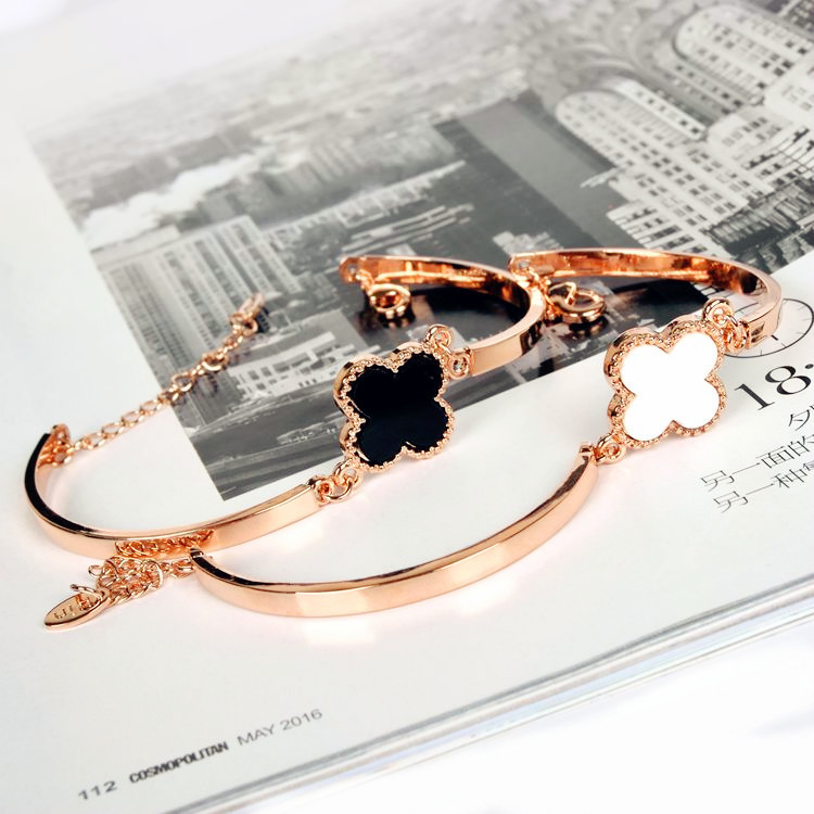 Simple Fashion Student Girlfriends Personality Bracelet Sweet Temperament Four-leaf Clover Bracelet Female