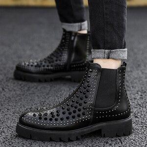 Image 3 - أحذية رجالي كاجوال بتصميم إنجليزي من الجلد الأصلي بالمسامير أحذية سوداء مناسبة للارتداء في النوادي الليلية أحذية برقبة طويلة مناسبة للكاحل
