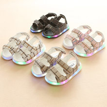 d192ec9f3 2018 nueva marca bebé fresco zapatos casuales de alta calidad LED unisex  niñas niños zapatos de
