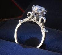 Tamaño 4-10 Desgin único de la joyería de lujo 925 solitario topacio simulado Dianmond corona de la boda del partido del anillo para mujeres