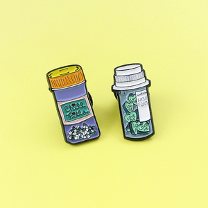 """Enamel Medicine Bottle Brooch Pin CHILL Pill Bottle LOVE ME Drifting Bottle Box Brooches Enamel Pin Badge Best Friend Jewelry(China)"