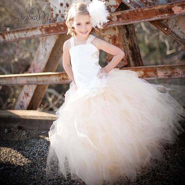 Niña de las flores Vestido de Fiesta y bodas Pageant Girl Dress Correa Del Cordón de Marfil Satinado Superior con La Pluma Diadema PT32