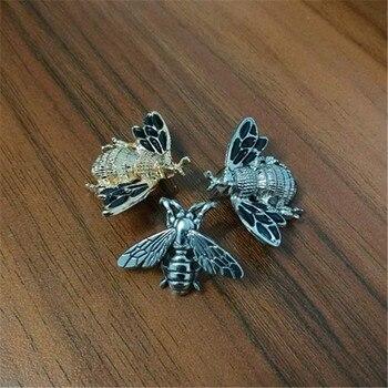 Retro Kleine Bienen Abzeichen Mode Emaille Pin Brosche Schmuck für T Hemd Anzug Kragen Mantel Hut Schuhe Pins Trendy Rucksack zubehör