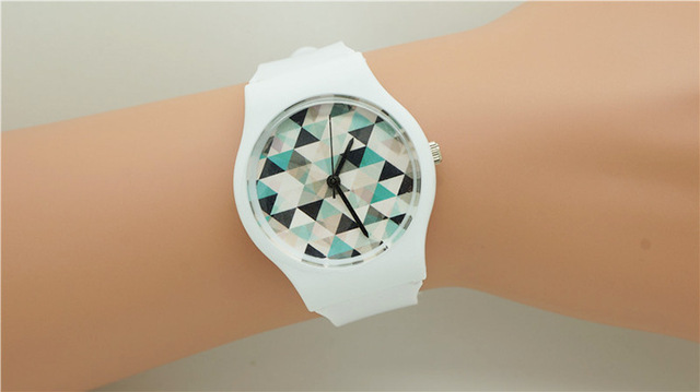 Top selling women man casual The small triangle watch dial wristwatches with jap