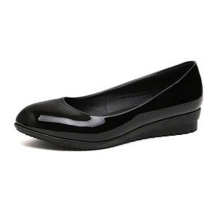 Image 2 - حذاء عمل كوري جديد ، حذاء أسود اللون ، حذاء عمل مستدير مناسب لجميع المباريات