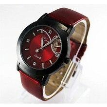 Báječné červené hodinky s koženkovým páskem