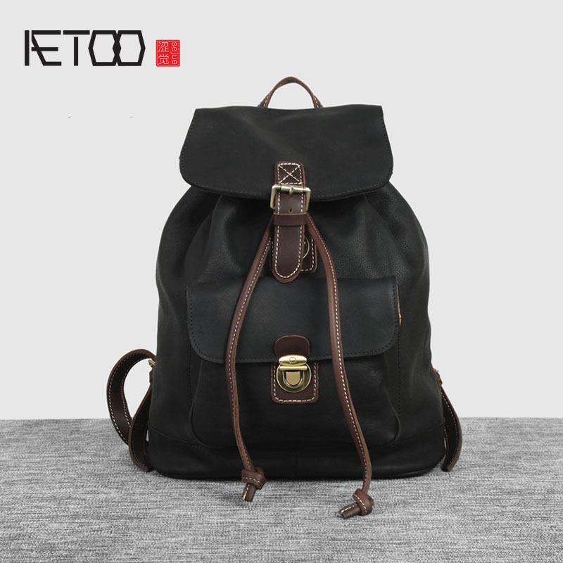 AETOO Europe and the United States retro hit color leather shoulder bag female buckets Baotou layer of leather backpack men trav europe and the united states fashion leather handbags 2017 new retro hit color decals leather small square bag shoulder bag