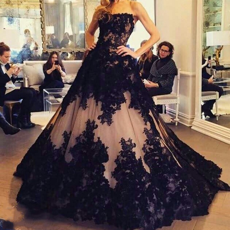 Black Muslim   Evening     Dresses   2019 Ball Gown Strapless Appliques Lace Formal Islamic Dubai Kaftan Saudi Arabic Long   Evening   Gown