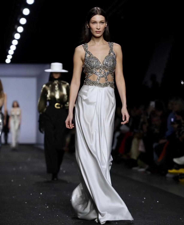 TOP qualité célébrité mode robe fait à la main perles Rivet col en v ouvert Folk robe plancher longueur tapis rouge robe - 2