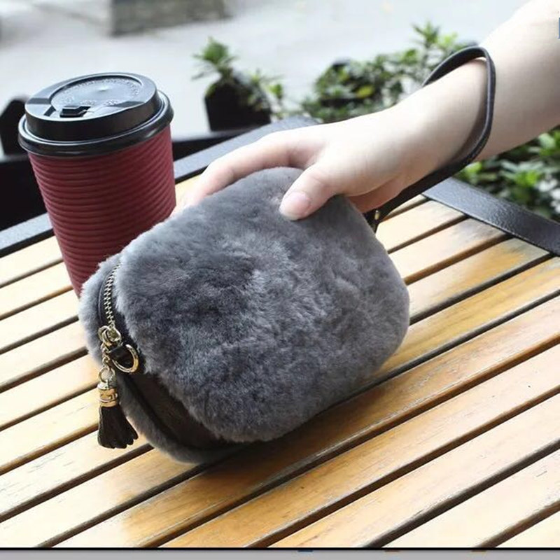 купить Fashion brand ladies handbag shoulder bags women small messenger bags ladies fur design handbag with tassel female crossbody bag по цене 2181.36 рублей
