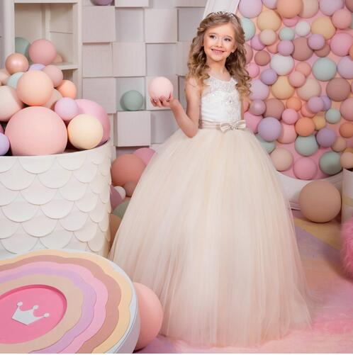 купить White Ivory Flower Girl Dresses Appliques O-neck Ball Gown Patchwork Lace Up Bow Sash First Communion Dresses for Girls онлайн