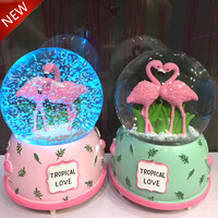 2017 New Resin Ornament Flamingo Crystal Ball Colorful Light Snowflake Rotate Music Box Romantic Snow Ball