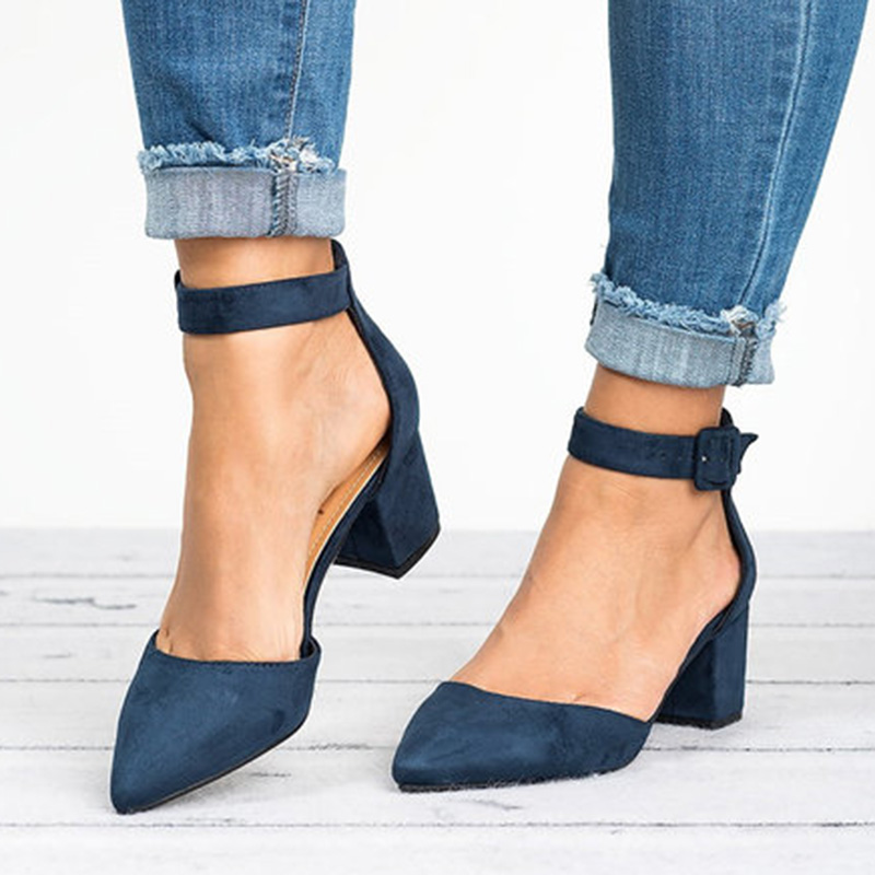 Factory Direct Low Heels Sandals Women Ankle Strap Summer Shoes Female Plus Size 43 Block Heels Women Shoes 2019 Casual Sandals