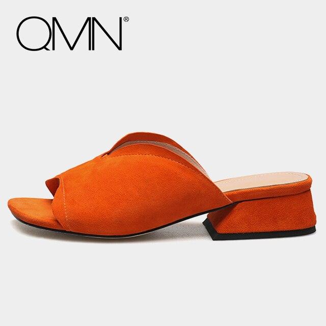 Qmn натуральная кожа женщины тапочки женщин натуральной замши шлепанцы скольжения на туфли летние женщина блок каблук овчины горки 34-40